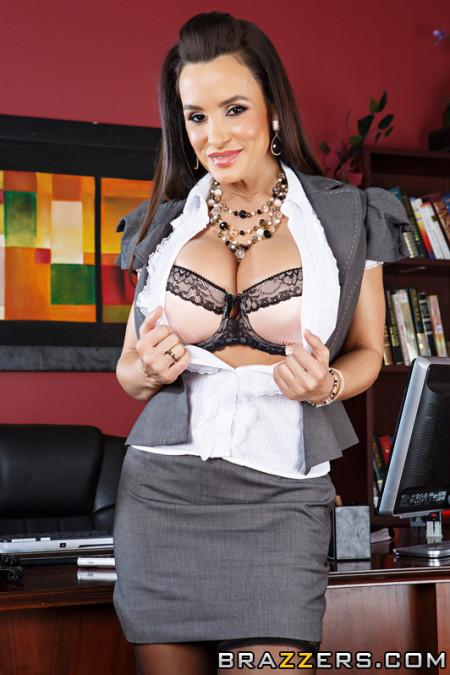 Ann secretary lisa Lisa Ann